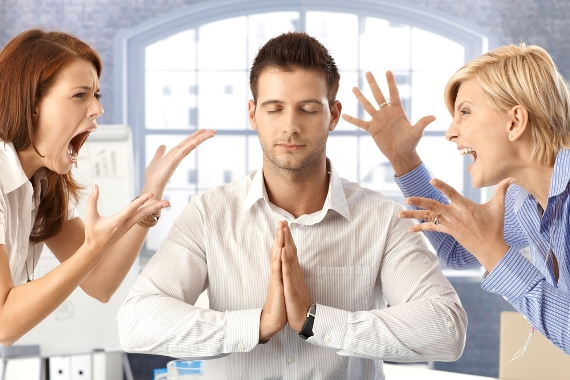 گوش دادن به مشتری عصبانی